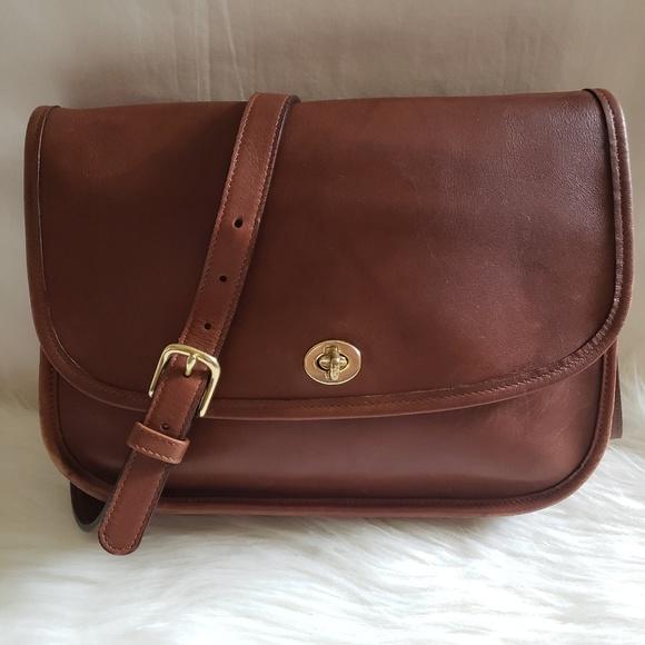 Coach Handbags - Vintage Coach Classics 9790 Leather Crossbody Bag e7fb60205f4d4
